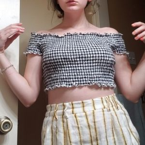 Off the shoulder gingham croptop